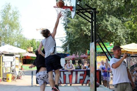 Basketball im Yaam in Friedrichshain
